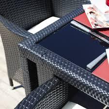 sicilia dining table with tuuci umbrella kannoa dining