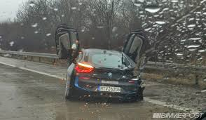 bmw i8 usa bmw i8 crashes on german highway