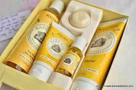 Burt S Bees Baby Wash by The Uncurated Life Burt U0027s Bee Baby Sweet Memories Keepsake Photo Box