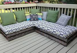 canapé d angle en palette fabriquer des meubles avec des palettes en 33 idées originales