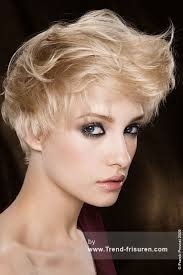 Kurzhaarfrisuren Weiblich by 77 Besten Haircuts Bilder Auf Kurze Haare Haare