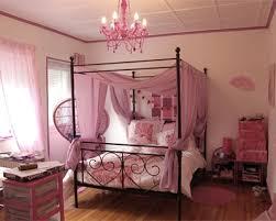 chambre de princesse en lit baldaquin chambre