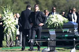 Seeking Robin Robin Thicke Overcome With Emotion At Alan Thicke S Funeral