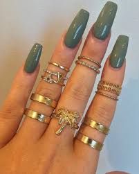 girls rings hand images Color colors girl girls goals gold green hand love nails jpg