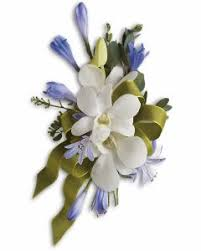 Corsages For Homecoming How To Choose Prom Corsage And Boutonniere Accessories Official