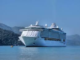 largest passenger ship in the world dimensions info