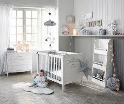 chambre etoile chambre bébé déco douce thème nuage étoile bernistabas