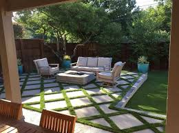Backyard Stone Ideas by Best 25 Concrete Pavers Ideas On Pinterest Diy Yard Decor