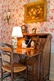 American Furniture Warehouse Desks by Best 25 Antique Writing Desk Ideas On Pinterest Vintage Writing