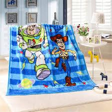 jeter un canapé garçon buzz lightyear raschel couverture kid voyage