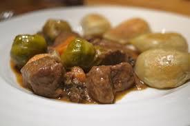 cuisiner des choux de bruxelles recette ragoût de boeuf aux choux de bruxelles banlieusardises