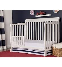 Hton Convertible Crib On Me Ashton 5 In 1 Convertible Crib White With Free Mattress