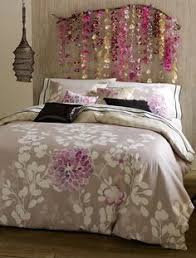 No Headboard Ideas by Bows Pearls U0026 Sorority Girls Preppy Dorm Bedorom Ideas All