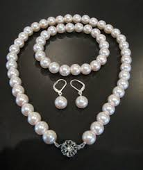 make pearl necklace images How to make a pearl necklace jpg