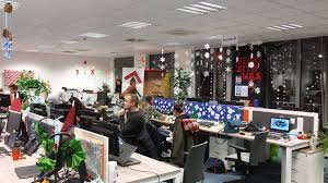 christmas accessories 55 lovely christmas decorations for the office that would make