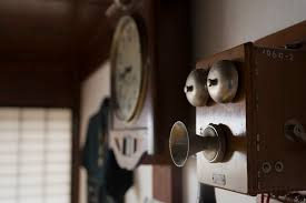Old Fashioned Wall Mounted Phones Identify Antique Wall Telephones With Photo Examples