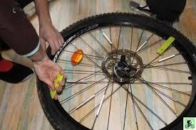 changer une chambre à air vtt et si on bougeait en vtt entretien roues et pneus réparation d