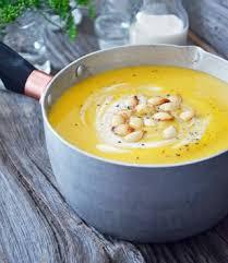 cuisiner avec du lait de coco potage à la courge et aux carottes avec lait de coco et gingembre