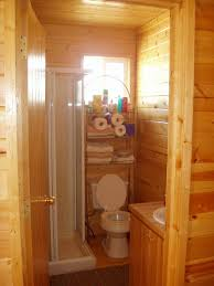 cabin bathroom ideas here is how it looks in the bathroom of the cabins its small but