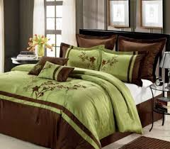 making a comfortable bedroom interior decorating with tropical luxury bedding ideas on classy tropical bedroom theme with green and brown bedspreads