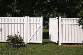 White Backyard Fence - secure birdhouses for plastic fence posts u2014 home design ideas