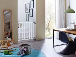 kinderschutzgitter treppe kinderschutzgitter jan ideal für treppen türen flure