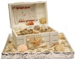 hochzeitsgeschenke einpacken schatztruhe als geldgeschenk brautmädels