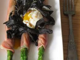 cuisiner les trompettes de la mort recettes de trompettes de la mort et œufs