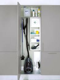 eckschrank fã r badezimmer mehrzweckschrank ikea badezimmer mit graunen wanden und einem