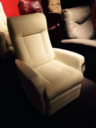 Rocking Chair Vs Glider Rocker Glider Vs Normal Chair March 2015 Babies Forums What