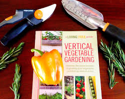 expert tips for vertical vegetable gardening