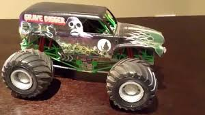 grave digger 30th anniversary monster truck toy grave digger model truck kit youtube