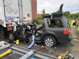 3 injured in suv semi crash in elgin elgin courier news