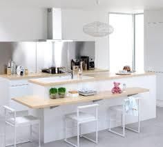 ilot central table cuisine la tendance cuisine qui s impose l îlot central emk maison