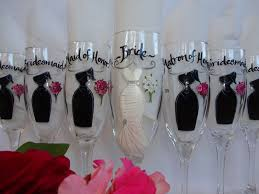 gifts to give your on wedding day painted wine glasses and groom gifts to give parents
