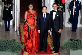 melania trump in red valentino at formal dinner with chinese