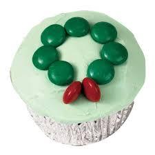 holly wreath cupcakes wilton