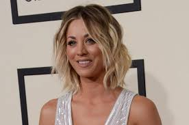 why kaley cucoo cut her hair kaley cuoco changes up her hair with long extensions upi com