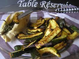 cuisiner des courgettes au four frites de courgette épicées au four et poulet en papillote