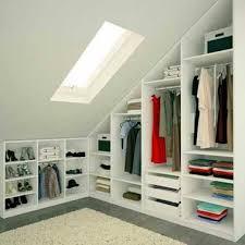 deco chambre sous comble dressing sous pente sans souci pour sa déco chambre armoires and lofts