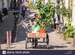B Otisch Schmal Carrier Tricycle Stockfotos U0026 Carrier Tricycle Bilder Alamy