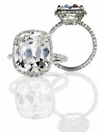 Vintage Style Cushion Cut Engagement Rings Love Everything About This Cushion Cut Center Stone Rounded