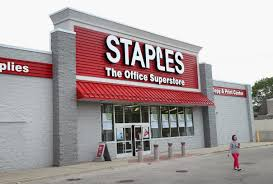 staples says 1 16 million credit card numbers stolen in breach