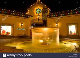 country club plaza christmas lights and water fountain in kansas
