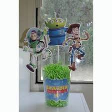 veryberry cupcakes buzz light year and woody glitter centerpieces