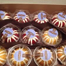 nothing bundt cakes 217 photos u0026 223 reviews desserts 1050 e