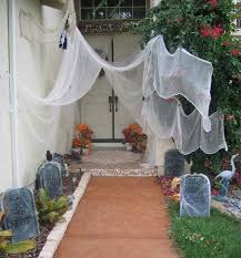 Scary Halloween Decorations For Yard by Halloween Porch And Entryway Ideas From Subtle To Scary