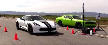 nissan gtr vs corvette z06 dodge challenger hellcat drag races corvette z06 in the half mile