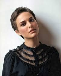 Sch E Kurze Haare by 10 Best Natalie Portman Pixie Cuts Kurze Haare Frisur Und