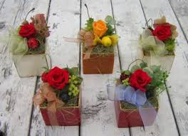 Flowers For Home Decor Choosing Your Home Décor Fresh Dry Or Artificial Flowers